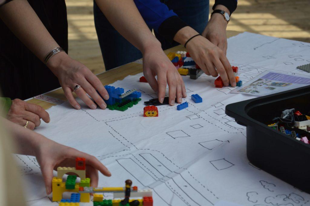 Lego Battle Forum Féministe 2019 Paris (24)Light