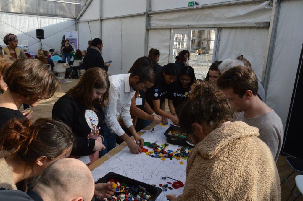 Lego Battle Forum Féministe 2019 Paris (65) LIght